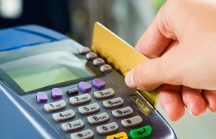 Έρχονται οι υποχρεωτικές συναλλαγές με κάρτα – Τι ορίζει απόφαση της ΓΓΔΕ