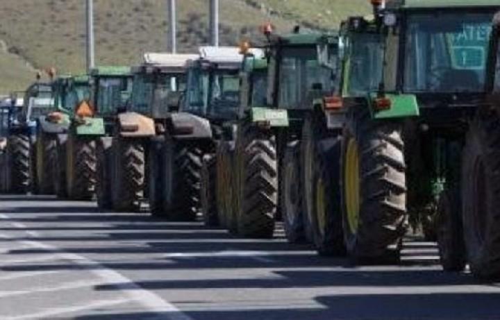 Στήνουν μπλόκα οι αγρότες της Αρκαδίας