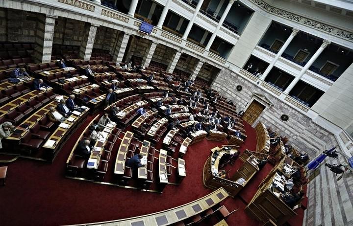Καταψηφίζουν τα κόμματα της αντιπολίτευση τα προαπαιτούμενα μέτρα