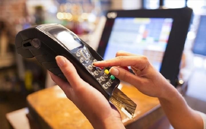 ΕΒΕΠ: Η χρήση καρτών αυξάνεται γρήγορα αλλά το κόστος μειώνεται αργά