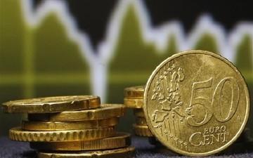 Πτώση του ευρώ έναντι του δολαρίου