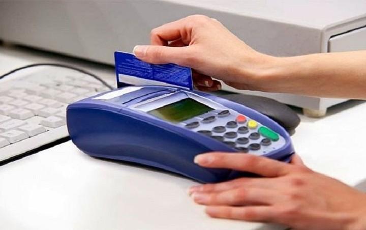 «Ψαλίδι» στις προμήθειες των τραπεζών με …εντολή Κομισιόν