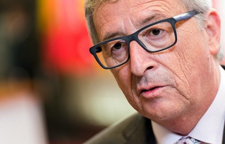 Ο Γιούνκερ συγκαλεί διάσκεψη ηγετών για το προσφυγικό