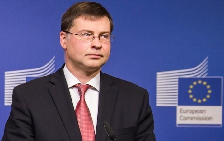 Ντομπρόβσκις: Την επόμενη εβδομάδα η έγκριση για τη δόση των 2 δισ.