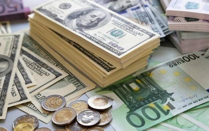 Συνάλλαγμα: Στα 1,1313 δολάρια το ευρώ
