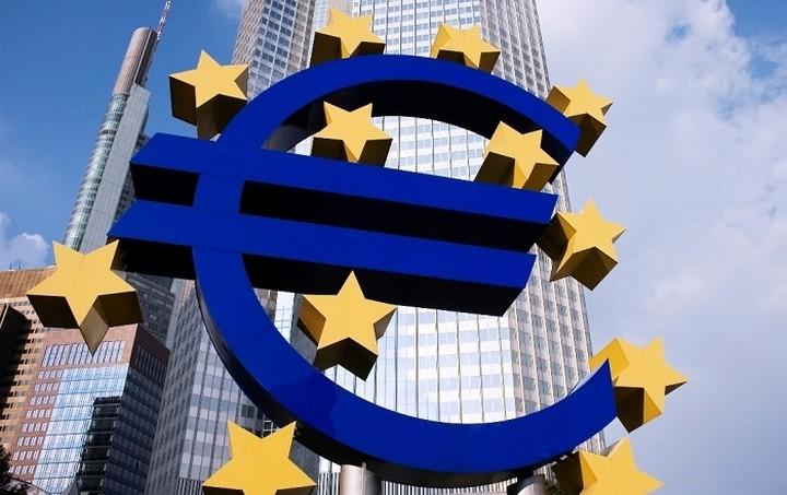 H EKT μειώνει κι άλλο τον ELA για τις ελληνικές τράπεζες
