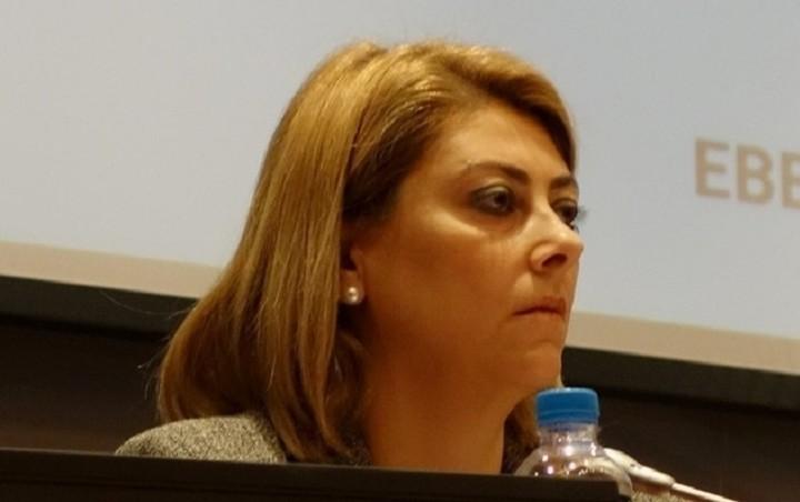 Διευκρινίσεις για την απομάκρυνση της Σαββαΐδου ζητά η Κομισιόν