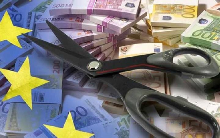 Αναπόφευκτο θεωρεί η Deutsche Bank το κούρεμα του ελληνικού χρέους