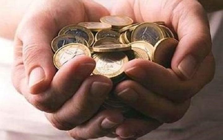 """ΣΕΒ: Έως 60% του μισθού """"πηγαίνει"""" σε φόρους και εισφορές"""