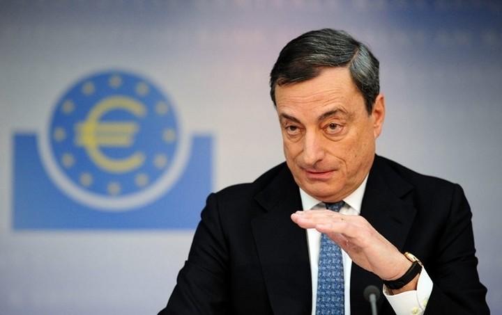 Ντράγκι: Το ελληνικό χρέος θα είναι βιώσιμο αν η κυβέρνηση εφαρμόσει το πρόγραμμα