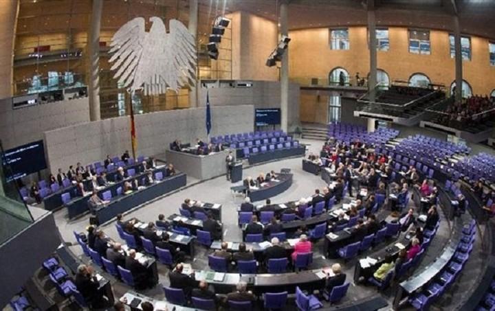 """Γερμανία: """"Ευχάριστο"""" το γεγονός ότι οι κεφαλαικές ανάγκες δεν υπερβαίνουν τα συμφωνηθέντα"""