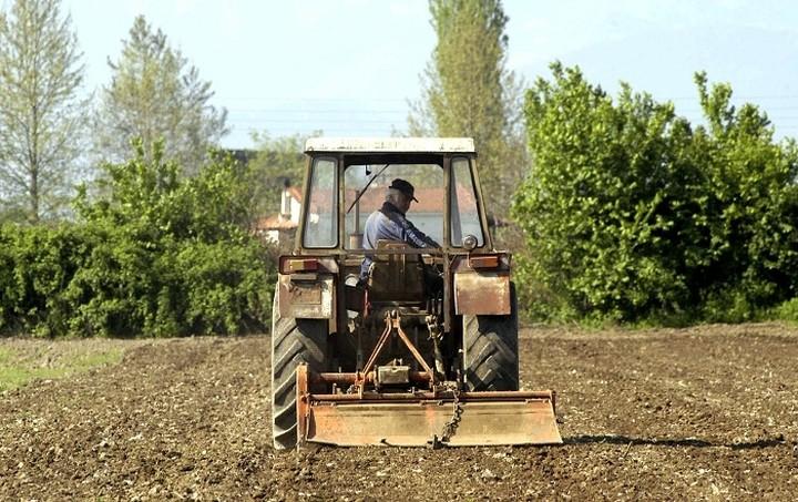 Εννέα στους 10 αγρότες δήλωσαν το 2014 εισόδημα έως 5.000 ευρώ