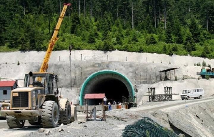 Επεκτείνεται το μετρό και ολοκληρώνονται οι αυτοκινητόδρομοι μέσα στο 2017