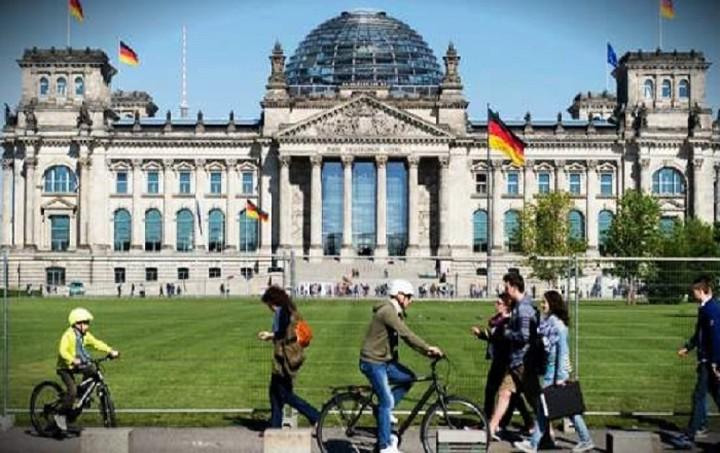 Deutsche Welle: Φορολογικός παράδεισος η... Γερμανία