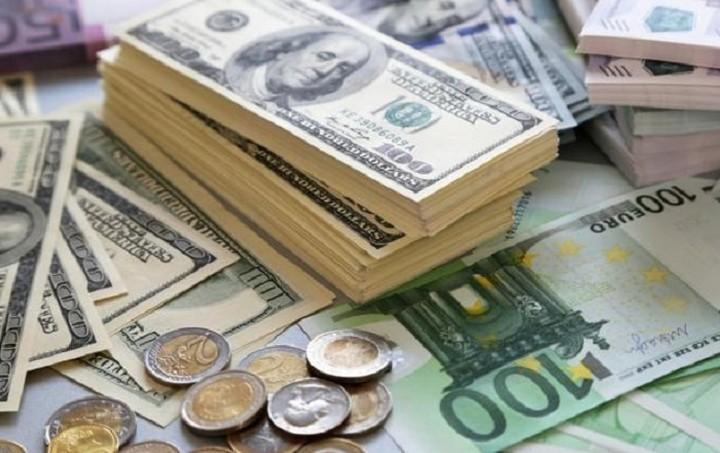 Υποχώρηση 0,24% για το ευρώ
