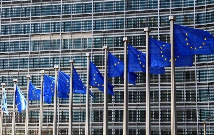 Ευρωπαϊκή Επιτροπή: Οικονομική ανάκαμψη στην ΕΕ παρά τις δυσκολίες