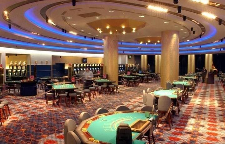 Επαναλειτουργεί το καζίνο στο Λουτράκι