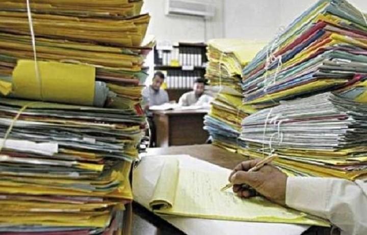 Πάνω από 300,000 αιτήσεις για συνταξιοδότηση εκκρεμούν