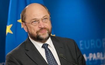 Σουλτς: Παροχή οικονομικής βοήθειας στις χώρες που θα υποδεχτούν πρόσφυγες