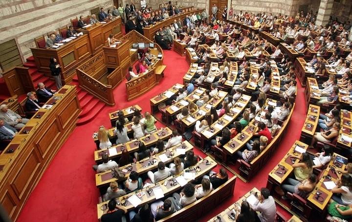 Δεκτό κατά πλειοψηφία το σχέδιο νόμου για την κύρωση 12 ΠΝΠ