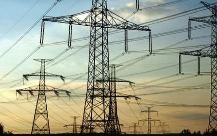 «Απειλή» για διακοπή ρεύματος σε 700.000 νοικοκυριά - Διαψεύδει η ΔΕΗ