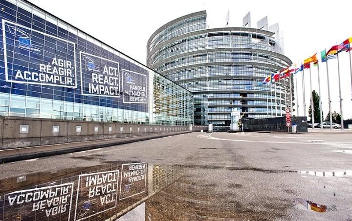 Πηγές ΕΕ: Αξιολόγηση μόνο μετά τη νομοθέτηση των αναγκαίων μεταρρυθμίσεων