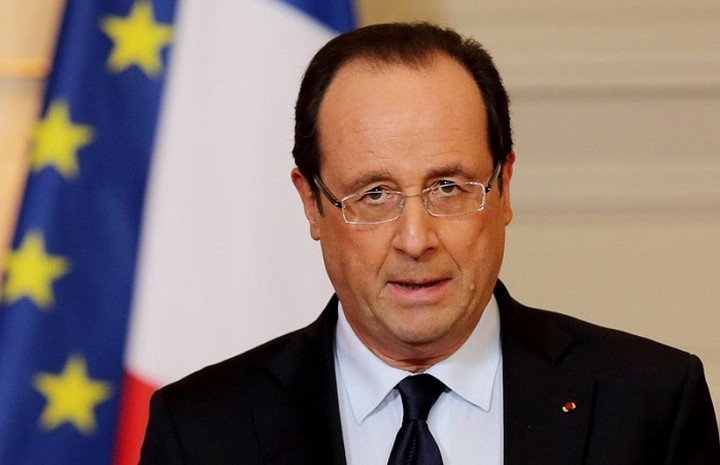 Ολάντ: «Η Γαλλία είναι σε πόλεμο»