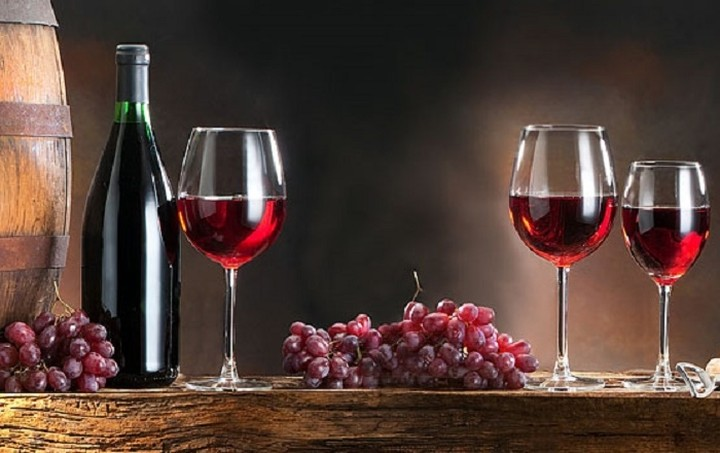 Φόρος στο κρασί προ των πυλών
