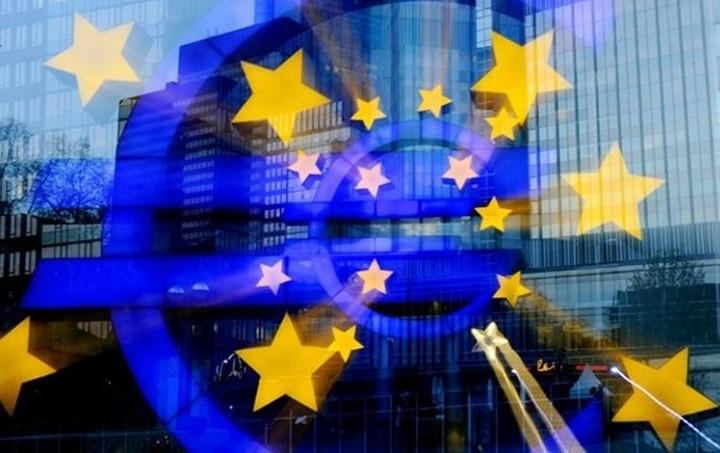 «Πράσινο» φως από το Euro Working Group για τα 10+2 δισ. ευρώ