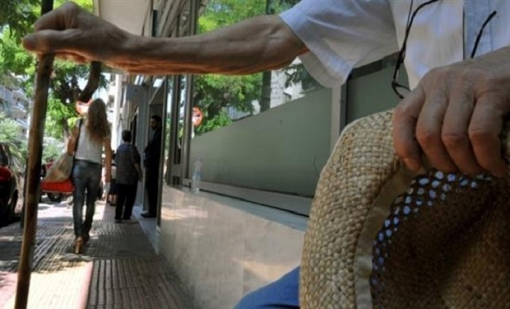 Σκληρό μπρα ντε φερ κυβέρνησης- δανειστών  - Δύο μέτρα - σοκ απαιτούν οι δανειστές