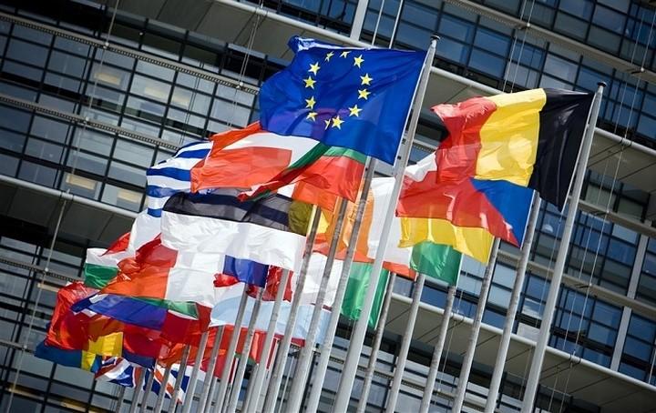Kομισιόν: Η Ελλάδα δεν είναι μόνη της στη διαχείριση των προσφυγικών ροών