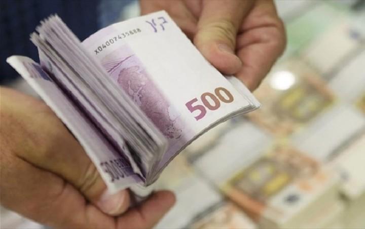 Bloomberg: Ο ΕSM έδωσε το πράσινο φως για την εκταμίευση των 2 δισ. ευρώ