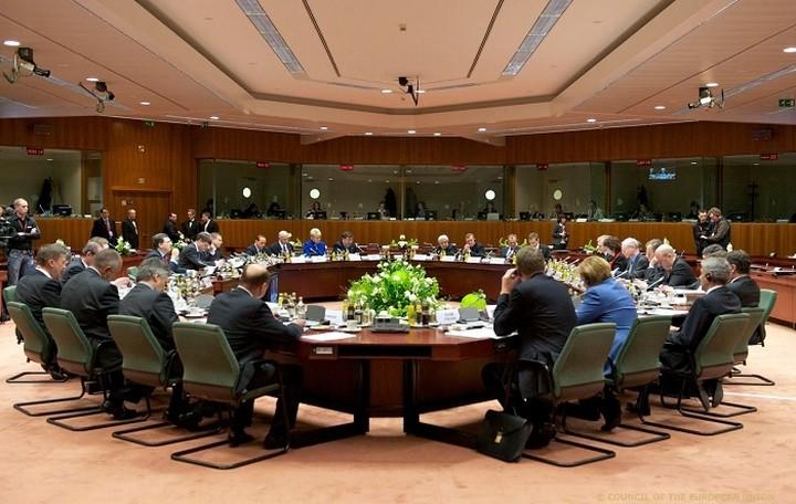 Eurogroup: Πράσινο «φως» για τη δόση των 2 δισ. -Ως 15/12 ψήφιση του 2ου πακέτου μετρων