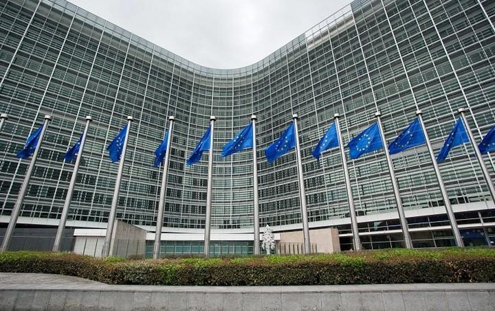 Κομισιόν: Να δημιουργηθεί ένα Ευρωπαϊκό Σύστημα Εγγύησης Καταθέσεων μέχρι το 2024