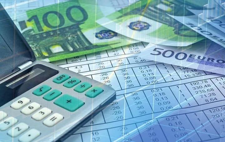 Τρύπα 2,1 δισ. ευρώ στα έσοδα του προϋπολογισμού το 10μηνο