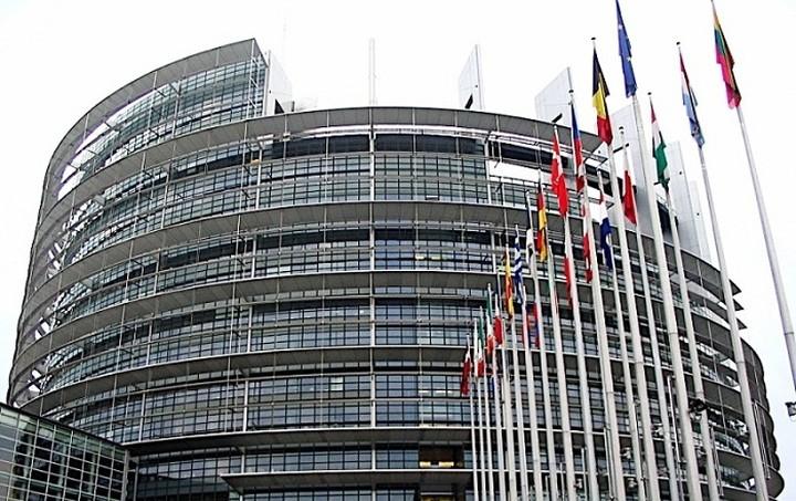 Ευρωκοινοβούλιο: Υποχρεωτική κοινή βάση φορολόγησης των εταιρειών