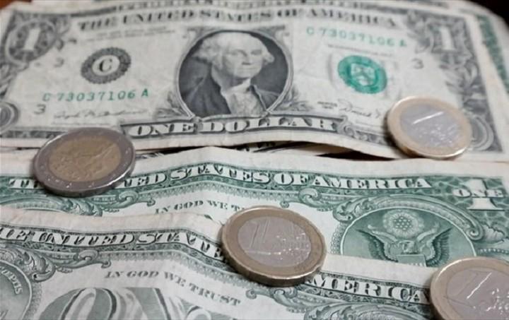 Συνάλλαγμα: Το ευρώ υποχωρεί σε ποσοστό 0,11%