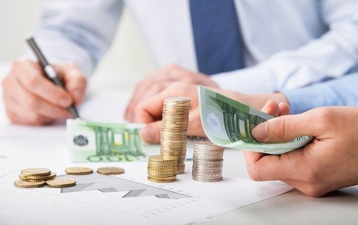 Θα πληρώνουμε σε φόρους 10 εκατ. ευρώ ανά… ώρα μέχρι το τέλος του χρόνου