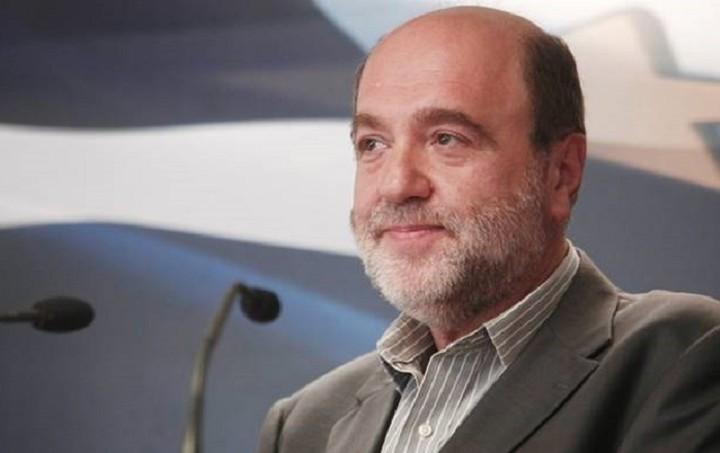 Αλεξιάδης: Δεν θα μειώσουμε τις δαπάνες με μειώσεις μισθών και απολύσεις