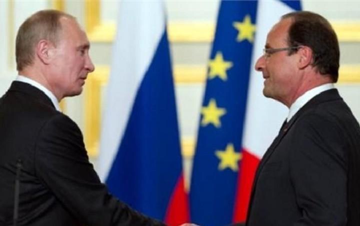 Συνάντηση Ολάντ και Πούτιν με φόντο τις εξελίξεις