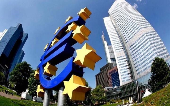 Reuters: Έως το 2018 το QE της ΕΚΤ αν ενταχθεί το χρέος δήμων και περιφερειών