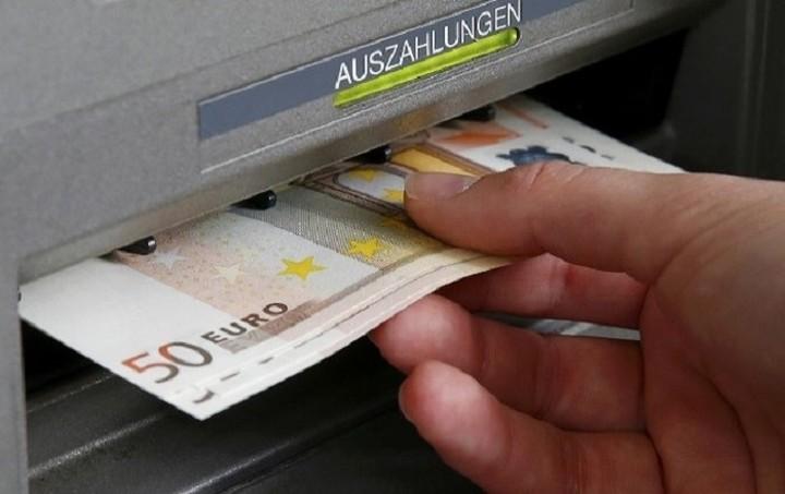 Κατσέλη: Το πολύ έως τον Ιούνιο η άρση των capital controls