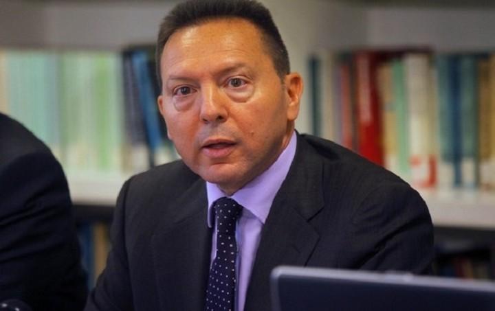 Έκκληση για ευρεία συναίνεση στα τελευταία μέτρα του μνημονίου από τον Στουρνάρα