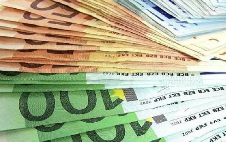 Ράβε-ξήλωνε στον φοροεισπρακτικό μηχανισμό – Ποιοι φεύγουν, ποιοι έρχονται