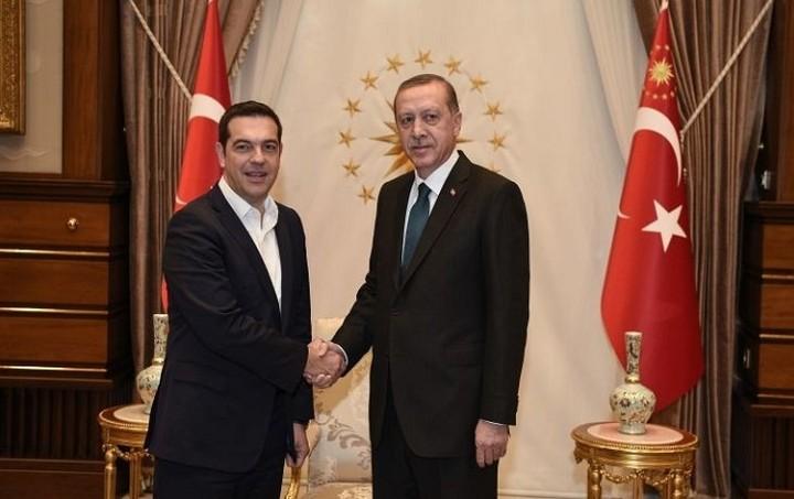 Σε στενή επικοινωνία συμφώνησαν να παραμείνουν Τσίπρας-Ερντογάν