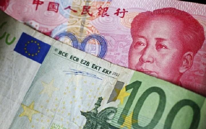 Bloomberg: Η απόφαση του ΔΝΤ για το γουάν θα πλήξει το ευρώ