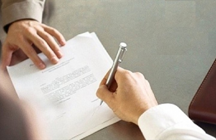 Ανανεώνονται για ένα χρόνο οι συμβάσεις στο δημόσιο - Δείτε σε ποιους τομείς