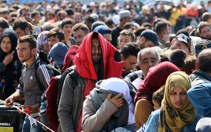 Η Ελλάδα ή λαμβάνει μέτρα για το προσφυγικό ή βγαίνει από τη Συνθήκη Σένγκεν