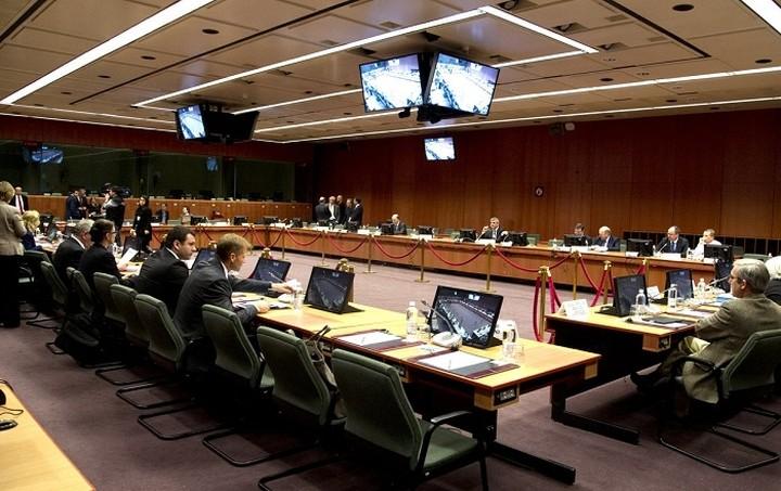 Τα 13 προαπαιτούμενα στο επίκεντρο του Eurogroup της Δευτέρας