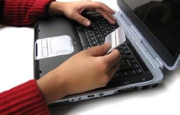 Τι ποσοστό Ελλήνων ψωνίζει online